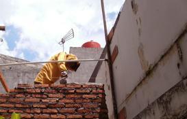 pasang dinding bata merah