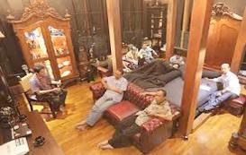 rumah ahmad dhani interior kamar keluarga